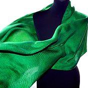Шарф зелёный жакард рептилия крокодил женский шарф