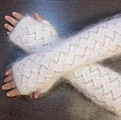 Аксессуары handmade. Livemaster - original item Fingerless gloves knitted feather white Avtoledi natural goat down. Handmade.