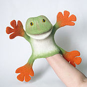 Куклы и игрушки ручной работы. Ярмарка Мастеров - ручная работа Веселая Лягушка перчаточная игрушка. Handmade.