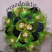 Подарки к праздникам ручной работы. Ярмарка Мастеров - ручная работа Букет из носок и конфет. Handmade.