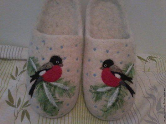 """Обувь ручной работы. Ярмарка Мастеров - ручная работа. Купить Тапочки валяные """" Снегирь"""". Handmade. Белый, тапочки из шерсти"""