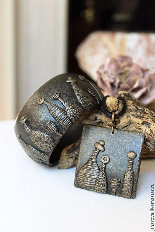 Комплекты украшений ручной работы. Ярмарка Мастеров - ручная работа. Купить Комплект из полимерной глины кулон и широкий браслет Бар Сомерсет. Handmade.