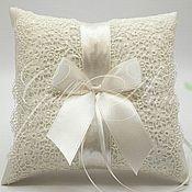 Свадебный салон ручной работы. Ярмарка Мастеров - ручная работа Подушечка для колец Lace Ivory Leaf. Handmade.