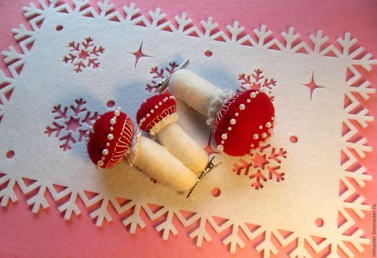Новый год 2017 ручной работы. Ярмарка Мастеров - ручная работа. Купить Ёлочные новогодние игрушки на прищепке Мухоморы. Handmade.