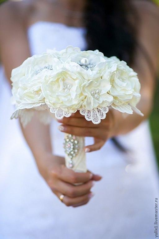 Свадебные цветы ручной работы. Ярмарка Мастеров - ручная работа. Купить Свадебный букет с брошами. Handmade. Бежевый, букет