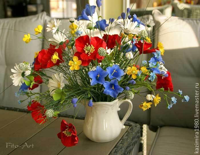некоторые субъективные букеты полевых цветов с надписью 8 марта мама научила сина