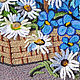 Картины цветов ручной работы. Заказать Картина вязанная букет цветов фиалки и ромашки в корзине 25 х 30 см. Маскаева Ольга (maskaevadecor). Ярмарка Мастеров.