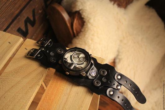 """Часы ручной работы. Ярмарка Мастеров - ручная работа. Купить Наручные часы с кожаным браслетом """"Черная звезда"""". Handmade. Черный"""