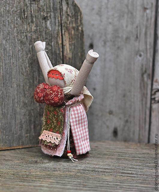 Народные куклы ручной работы. Ярмарка Мастеров - ручная работа. Купить Куколка Радостея. Handmade. Коралловый, оберег, дом