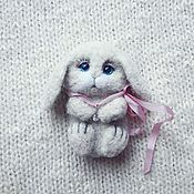 Brooches handmade. Livemaster - original item Bunny brooch made of wool. Handmade.