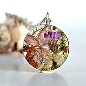 Украшения handmade. Livemaster - original item Round flower pendant is made of epoxy resin. Handmade.