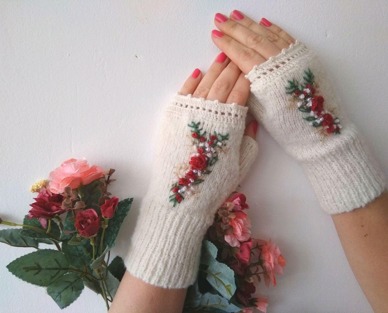 Митенки с вышивкой вязаные белые. Красная Роза, Митенки, Рыбинск,  Фото №1