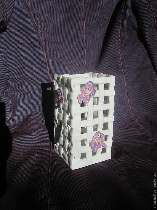 """Ванная комната ручной работы. Ярмарка Мастеров - ручная работа. Купить Керамическая подставка для расчесок/зубных щеток """"Нежные Ирисы"""". Handmade."""