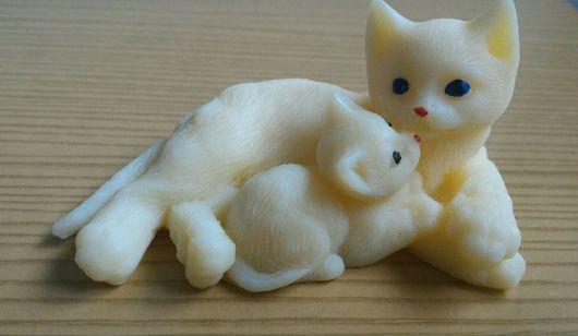 Мыло ручной работы. Ярмарка Мастеров - ручная работа. Купить Кошка с котенком. Сувенирное мыло ручной работы.. Handmade. Комбинированный
