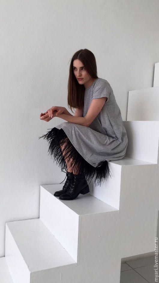 Платья ручной работы. Ярмарка Мастеров - ручная работа. Купить Платье-футболка с отделкой перьями. Handmade. Разноцветный, красивое платье