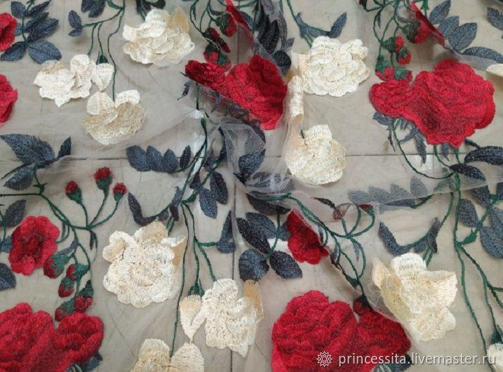 Вышивка розы на сетке 100