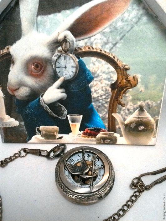 """Часы ручной работы. Ярмарка Мастеров - ручная работа. Купить Карманные часы """"Голодные игры: сойка пересмешница 1 (бронзовая)"""". Handmade."""