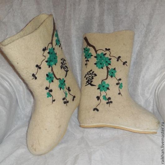 """Обувь ручной работы. Ярмарка Мастеров - ручная работа. Купить Валенки """" Сакура"""" на подошве.. Handmade. Белый, ручная работа"""