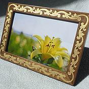 Сувениры и подарки handmade. Livemaster - original item Photo frame Walnut Engraving 10x15 Vintage Style Flower Gift Gold. Handmade.