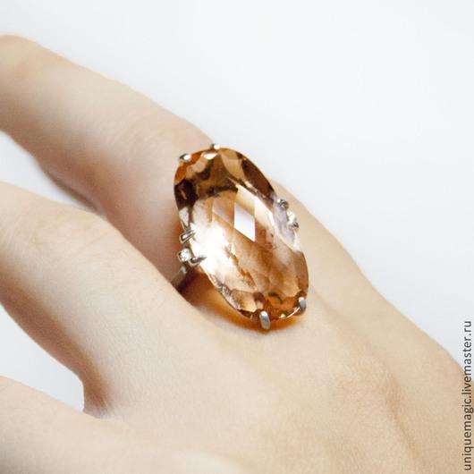 Великолепное кольцо с крупным медовым цитрином 18.7 Carat!