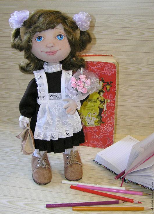 Коллекционные куклы ручной работы. Ярмарка Мастеров - ручная работа. Купить Текстильная кукла Школьница. Handmade. Коричневый, школьница, ленты