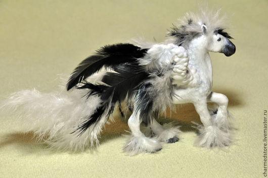 Игрушки животные, ручной работы. Ярмарка Мастеров - ручная работа. Купить Скульптура Пегас - полимерная глина и перья. Handmade.