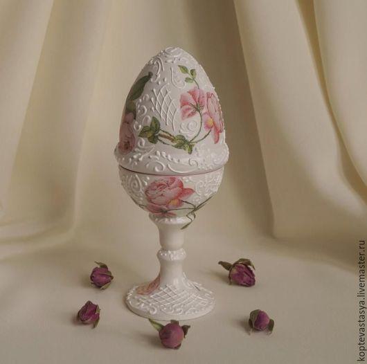 """Подарки на Пасху ручной работы. Ярмарка Мастеров - ручная работа. Купить Пасхальное яйцо-шкатулка """"Розовый венок"""". Handmade. Белый"""