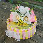 Подарки к праздникам ручной работы. Ярмарка Мастеров - ручная работа Торт из шоколада и конфет. Handmade.