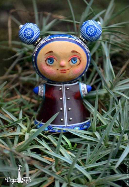 Коллекционные куклы ручной работы. Ярмарка Мастеров - ручная работа. Купить Весняна- миниатюрная , росписная куколка из дерева. Handmade. темпера