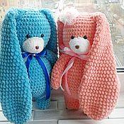Куклы и игрушки ручной работы. Ярмарка Мастеров - ручная работа Заяц игрушка мягкая зайка плюшка из детской пряжи в наличии. Handmade.