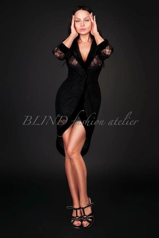 Платья черный атлас фото