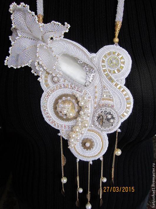 """Комплекты украшений ручной работы. Ярмарка Мастеров - ручная работа. Купить кулон и браслет """"Чокнутая невеста"""". Handmade. Белый"""