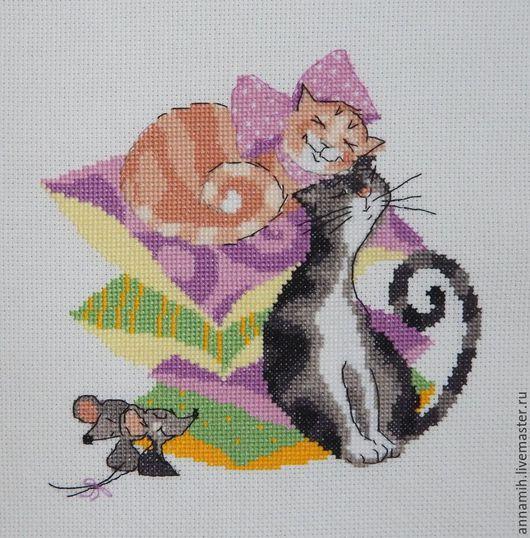 """Животные ручной работы. Ярмарка Мастеров - ручная работа. Купить """"Кошки - мышки"""" вышитое панно. Handmade. Вышитая картина, лето"""