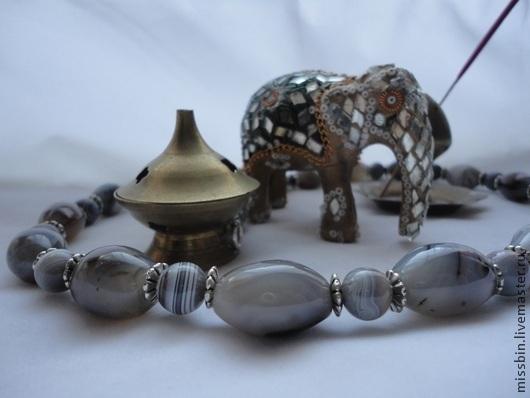 """Колье, бусы ручной работы. Ярмарка Мастеров - ручная работа. Купить """"Старая Индия"""" бусы из серого агата. Handmade. Серый"""