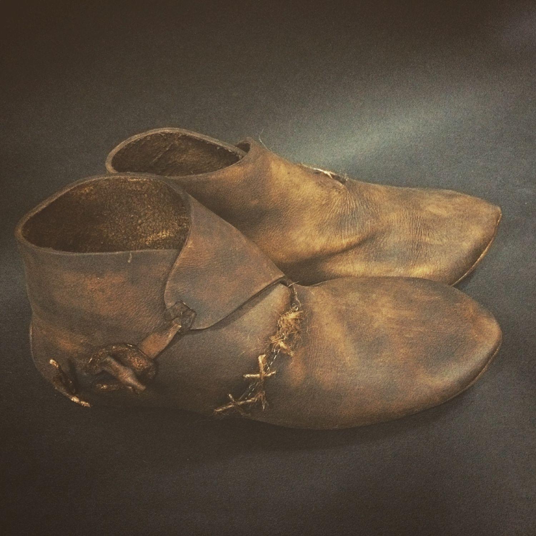 Как сшить средневековые ботинки 49