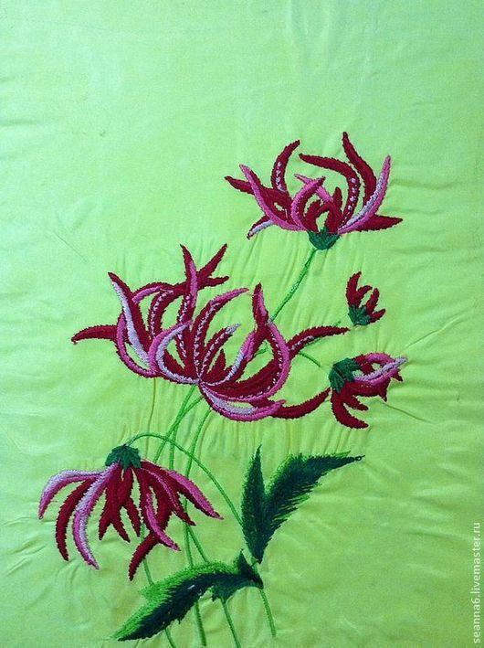 """Картины цветов ручной работы. Ярмарка Мастеров - ручная работа. Купить Вышитая картина, картинка, одежда """"Тропический цветок"""". Handmade."""