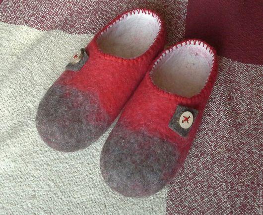 Обувь ручной работы. Ярмарка Мастеров - ручная работа. Купить Безукрас... Тапки-унисекс)))). Handmade. Ярко-красный, красно-серый