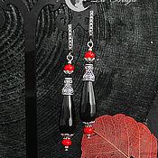 Серьги классические ручной работы. Ярмарка Мастеров - ручная работа Черные серьги длинные с халцедоном и красным кораллом,посеребренные швензы. Handmade.
