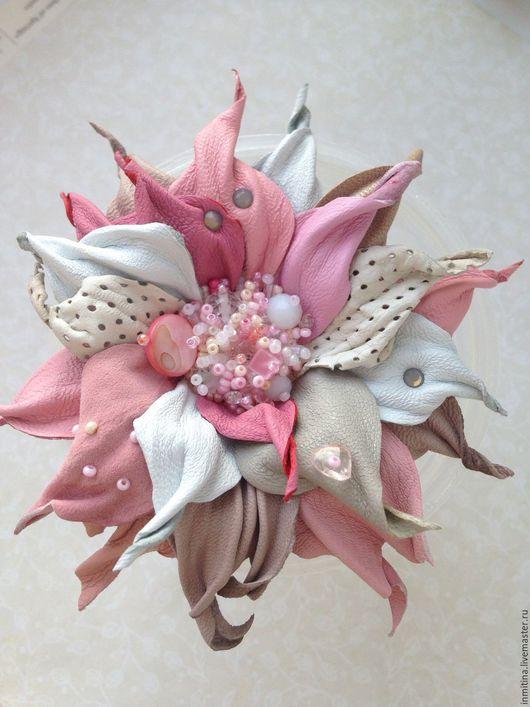 Броши ручной работы. Ярмарка Мастеров - ручная работа. Купить Брошь цветок из натуральной кожи Розовые облака. Handmade. Розовый