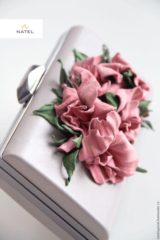 """Женские сумки ручной работы. Ярмарка Мастеров - ручная работа. Купить Клатч """" Chinesse rose """". Handmade. Серый"""