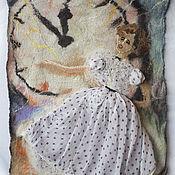 """Картины и панно ручной работы. Ярмарка Мастеров - ручная работа Валяное панно """"5 минут"""" по мотивам к/ф """"Карнавальная ночь"""". Handmade."""