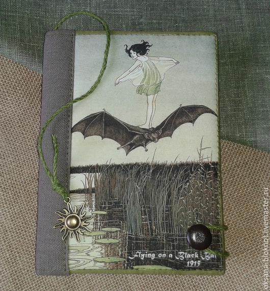 Блокноты ручной работы. Ярмарка Мастеров - ручная работа. Купить Блокнот Полет на Летучей мыши (Формат А6). Handmade. Болотный