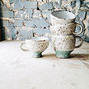 Посуда ручной работы. Ярмарка Мастеров - ручная работа пятнистые двухцветные кружки. Handmade.