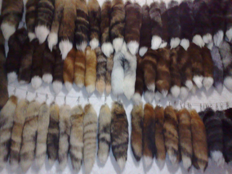 Продам меховые брелки,хвосты на карабинах в ассортименте, Брелок, Москва,  Фото №1