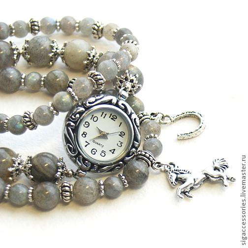 """Часы ручной работы. Ярмарка Мастеров - ручная работа. Купить Часы-талисман из лабрадора """"Подкова на счастье"""". Handmade. Серый, талисман"""
