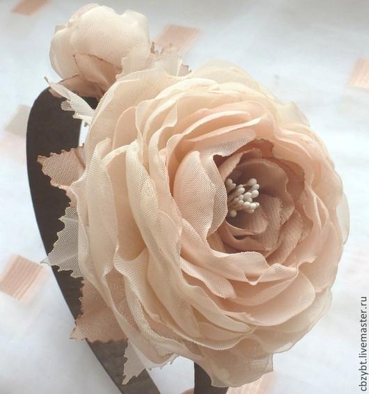 """Диадемы, обручи ручной работы. Ярмарка Мастеров - ручная работа. Купить Ободок с пионовидными розами """" Крем- беж"""" вариант №2. Handmade."""
