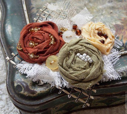 """Броши ручной работы. Ярмарка Мастеров - ручная работа. Купить Брошь """" Оттенки осени -солнечный и терракот """" текстильная в стиле бохо. Handmade."""