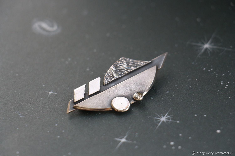 Небольшая серебряная брошь-булавка ручной работы с бериллом. Футуризм, Брошь-булавка, Москва,  Фото №1