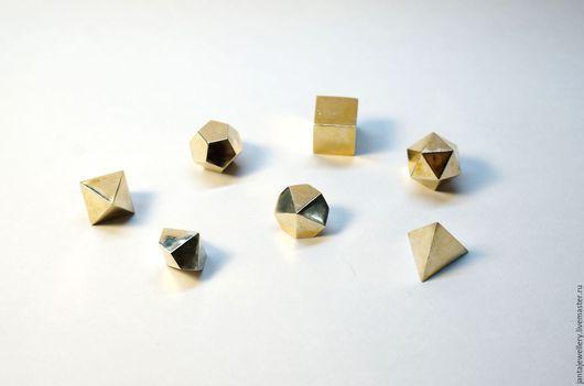 Настольные игры ручной работы. Ярмарка Мастеров - ручная работа. Купить Гномьи кубики из латуни. Handmade. Золотой, игральные кубики