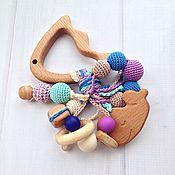 Куклы и игрушки ручной работы. Ярмарка Мастеров - ручная работа Буковый грызунок Рыбка с разными подвесками-погремушками. Handmade.